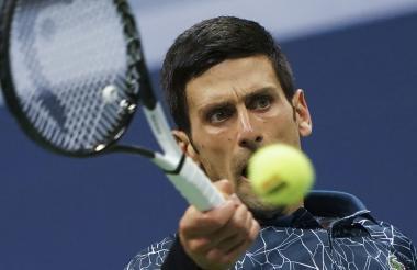 Novak Djokovic mostró un alto nivel de juego y siguió adelante en el Abierto de Estados Unidos.