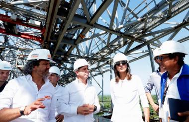 La ministra de Transporte recorrió las obras del nuevo Puente Pumarejo.