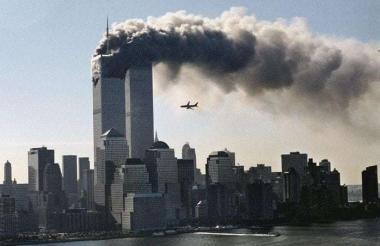 Momento del atentado terrorista contra las Torres Gemelas en Nueva York.