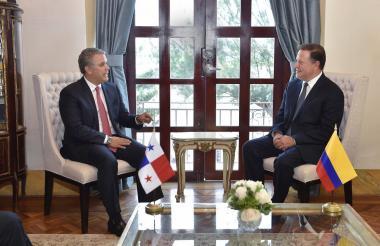 El presidente de Colombia, Iván Duque, y el mandatario de Panamá, Juan Carlos Varela, durante el encuentro de este lunes.