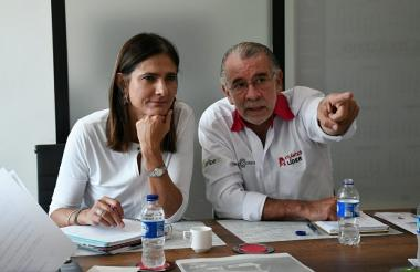 Ángela María Orozco y Eduardo Verano.