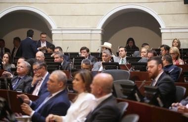 Antes del 16 de diciembre las reformas constitucionales deben cumplir su primera vuelta en el Senado.