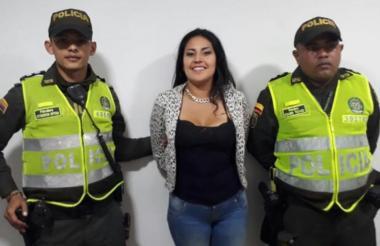 July Alejandra Cristancho Pinto, de 24 años, fue detenida por uniformados de la Policía Metropolitana de Barranquilla.