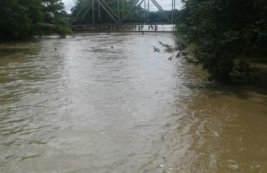 El río Fundación es uno de los afluentes que más rápido se crece por tanto el monitoreo es diario.