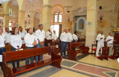 Algunos funcionarios y ciudadanos asistieron ayer a la eucaristía.