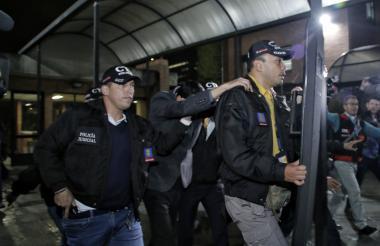 Juan Carlos Madero cuando era conducido a la audiencia de este viernes en Bogotá.