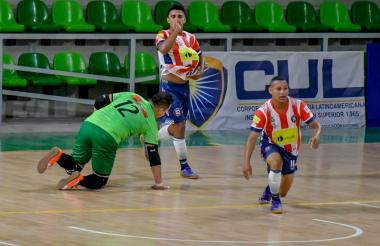 El jugador barranquillero Leynner Pérez celebra uno de sus tantos ante Cúcuta.