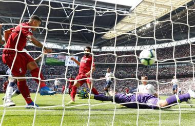 Acción de gol del Liverpool.