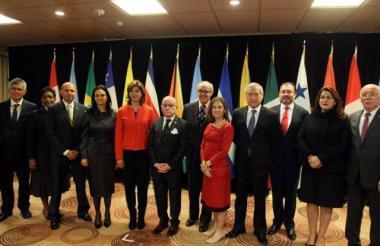 Representantes de cada país en reunión del  Grupo Lima.