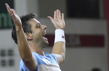 El tenista argentino Horacio Zeballos celebra la victoria ante Nicolás Mejía.