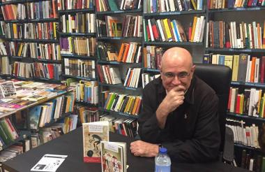 Antonio Orlando Rodríguez, ganador del Premio Alfaguara de Novela.
