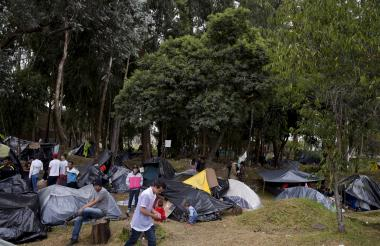 Venezolanos sobreviven como pueden en Bogotá.