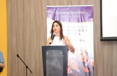 María Victoria Angulo, ministra de Educación, durante su intervención en el evento sobre entornos escolares.