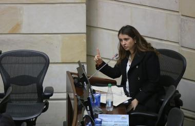 La senadora Paloma Valencia, encargada de radicar el proyecto.