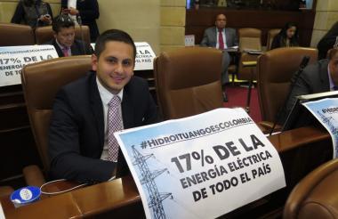 Representante antioqueño por el CD, Esteban Quintero.