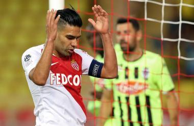 Falcao en el juego que Mónaco perdió ante Angers.