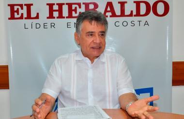 Edgar Martínez Romero, gobernador de Sucre durante su visita a EL HERALDO.