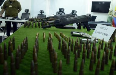 Armas y municiones encontradas en Cencaes en abril pasado.