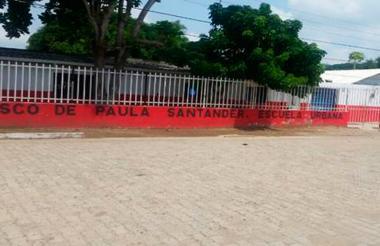 Institución Educativa Francisco de Paula Santander en el municipio de Calamar, Bolívar.