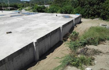 El tanque de almacenamiento de agua está ubicado en el sector de Cordobita, en las afueras de Ciénaga. Su capacidad es para 5.000 metros cúbicos de agua y es el más grande de los acueductos municipales del Magdalena.