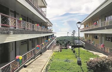 El primer megacolegio tiene capacidad para 400 estudiantes.