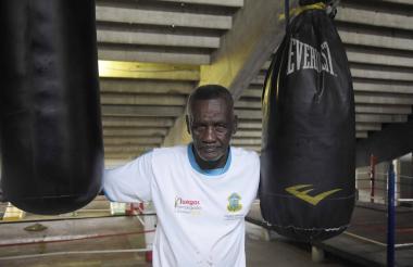 Juan Evangelista Herrera Cañate entrena todos los días en el gimnasio del estadio Metropolitano.
