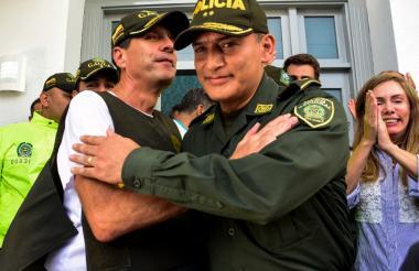 El empresario Rodolfo 'Fito' Acosta y el general Mariano Botero el pasado sábado primero de septiembre.