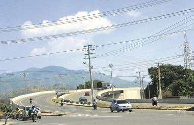 Puente elevado en la doble calzada en la vía a Mamatoco.