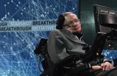 El caso del fallecido científico Stephen Hawking es uno de los más recordados en el mundo de pacientes con esclerosis lateral amiotrófica (ELA).