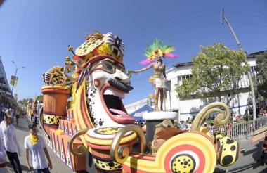 Carroza 'Congo Tigre', diseñada por Hernando Arteta y elaborada por Rubiel Badillo, fue la escogida por el jurado como la mejor carroza de la Batalla de Flores 2018.