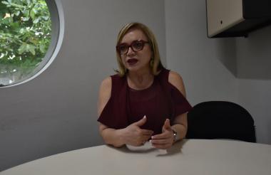 La senadora de Cambio Radical Emma Claudia Castellanos en su visita a EL HERALDO.