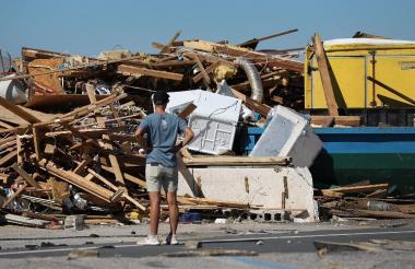 Los vientos arrasaron desde el miércoles varias casas en Mexico Beach.