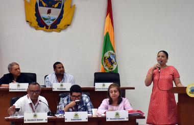 La secretaria de Hacienda, Emelith Barraza, acompañó a los secretarios.