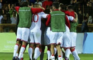 Jugadores de Gibraltar celebrando su primera victoria.