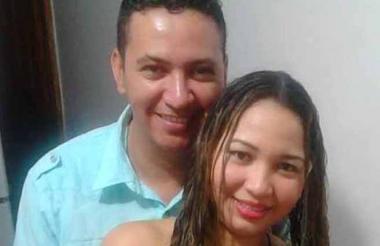 José María López Molinares y Tivisay Lobo Fuentes, en una foto familiar.