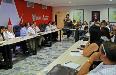 Aspecto de la reunión realizada en la sala de juntas de la Gobernación del Atlántico.