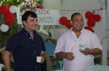 Jaime Pumarejo y Juan C. Ospino en Las Malvinas.
