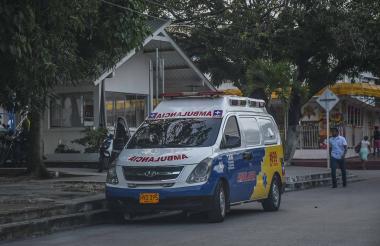 Ambulancia ubicada cerca al CAI de la carrera 21 con calle 53.
