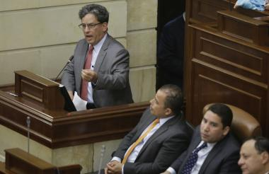 El ministro de Hacienda, Alberto Carrasquilla, en el Congreso de la República.