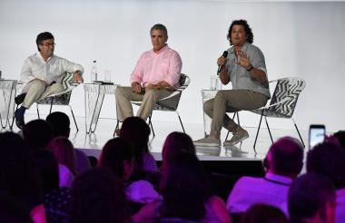 Luis Alberto Moreno, presidente del BID, alexael presidente Iván Duque y el artista samario Carlos Vives.