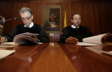 Magistrados German Alberto Bula y Ramiro de Jesús Pozos de Guerrero, Magistrados del Consejo de Estado.