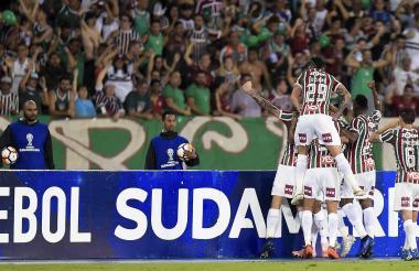 Fluminense celebra su paso a la semifinal de la Copa Sudamericana.