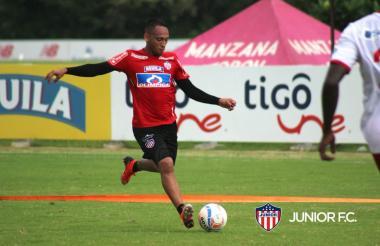 Jarlan Barrera en el entrenamiento previo al viaje.