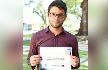 Daniel José Rueda Lobato, estudiante sobresaliente.