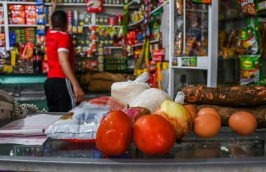Productos alimenticios de la canasta básica que serían gravados con el IVA.