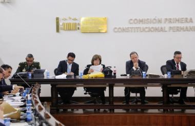 Minjusticia en la comisión primera del Senado.