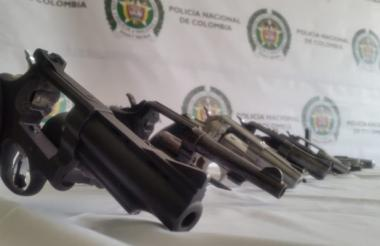 Armas decomisadas por la Policía Nacional.