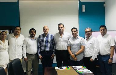 Miembros de la Junta Directiva del Área Metropolitana de Barranquilla tras la reunión realizada ayer para escoger al nuevo director de la entidad.