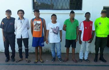 Presuntos violadores fueron presentados por la Policía.