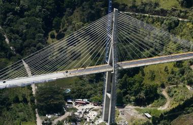 En un 97% se encuentra la construcción del puente Hisgaura ubicado en la provincia de San Andrés en Santander.